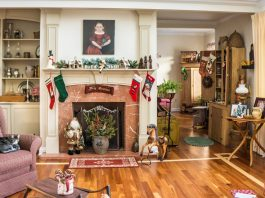 Choose The Right Christmas Decorations For Your Home
